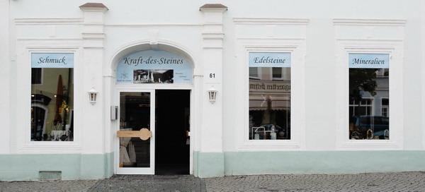 Edelsteinladen, Schaufenster